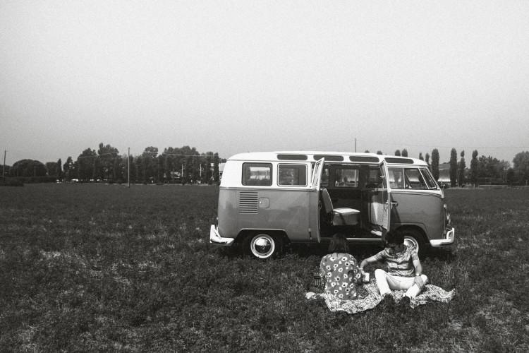 """1964 Volkswagen T1 """"21 Windows"""" 15"""