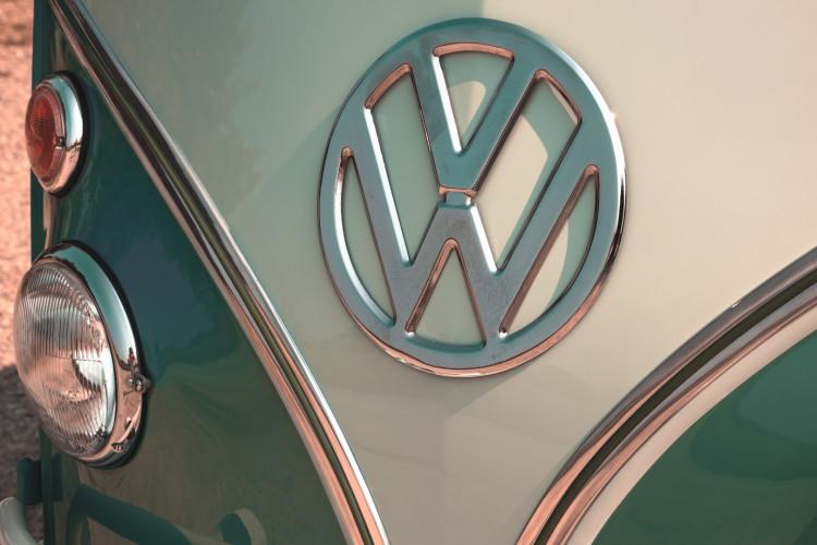 """1964 Volkswagen T1 """"21 Windows"""" 13"""