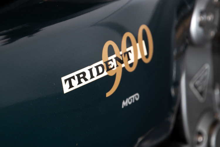 1993 Triumph Trident 900 17