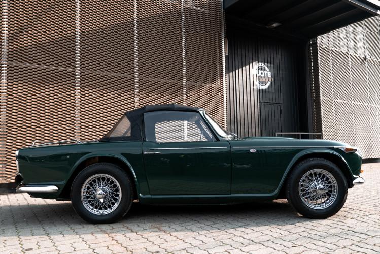 1965 Triumph TR4 A 3