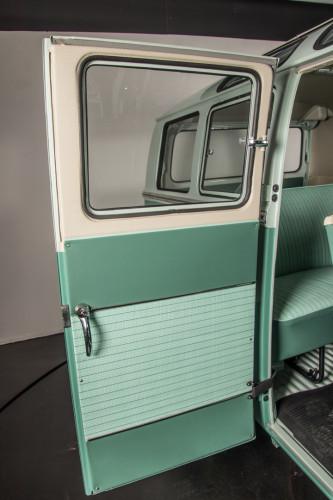 """1964 Volkswagen T1 """"21 Windows"""" 44"""