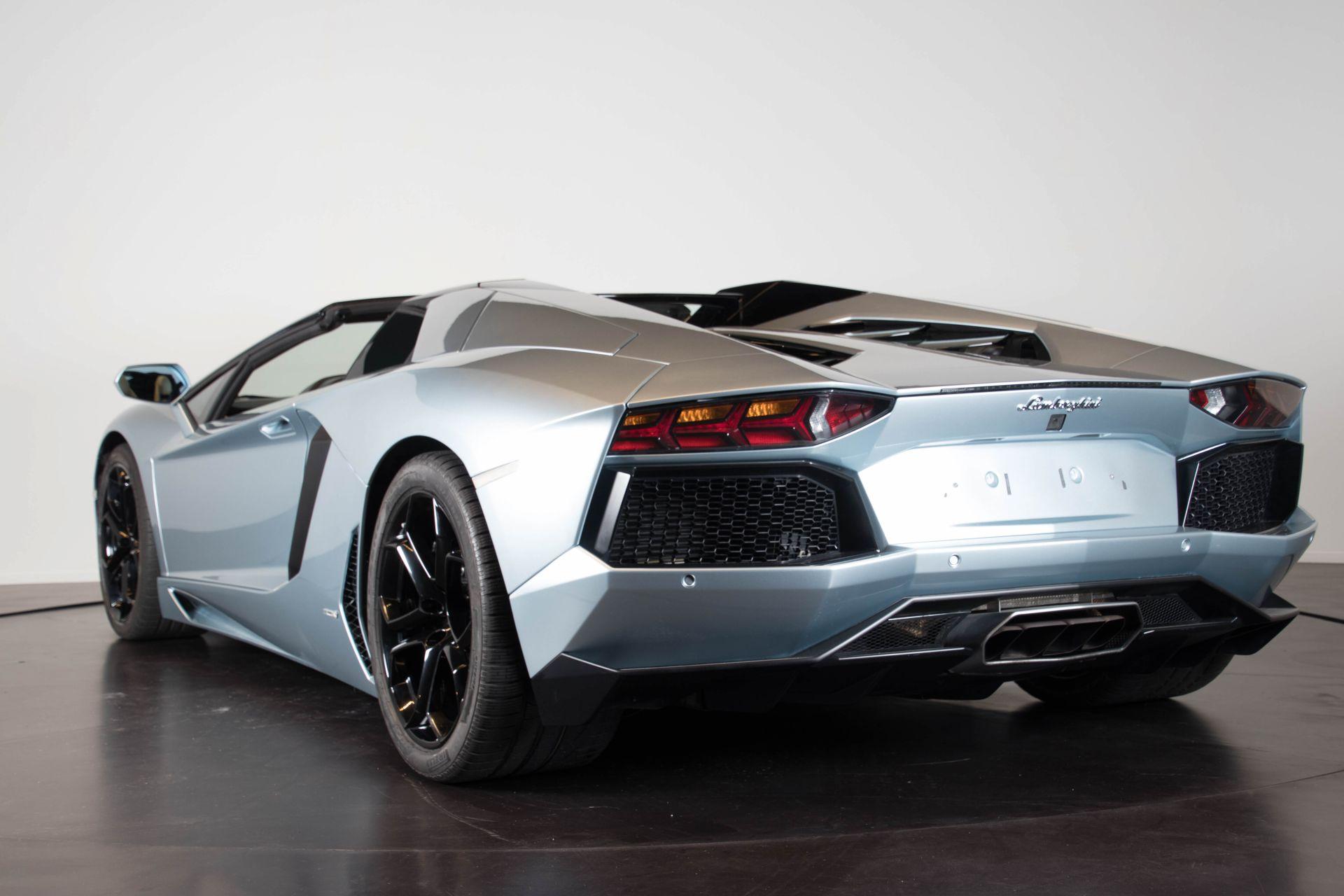 2014 Lamborghini Aventador Roadster  3800
