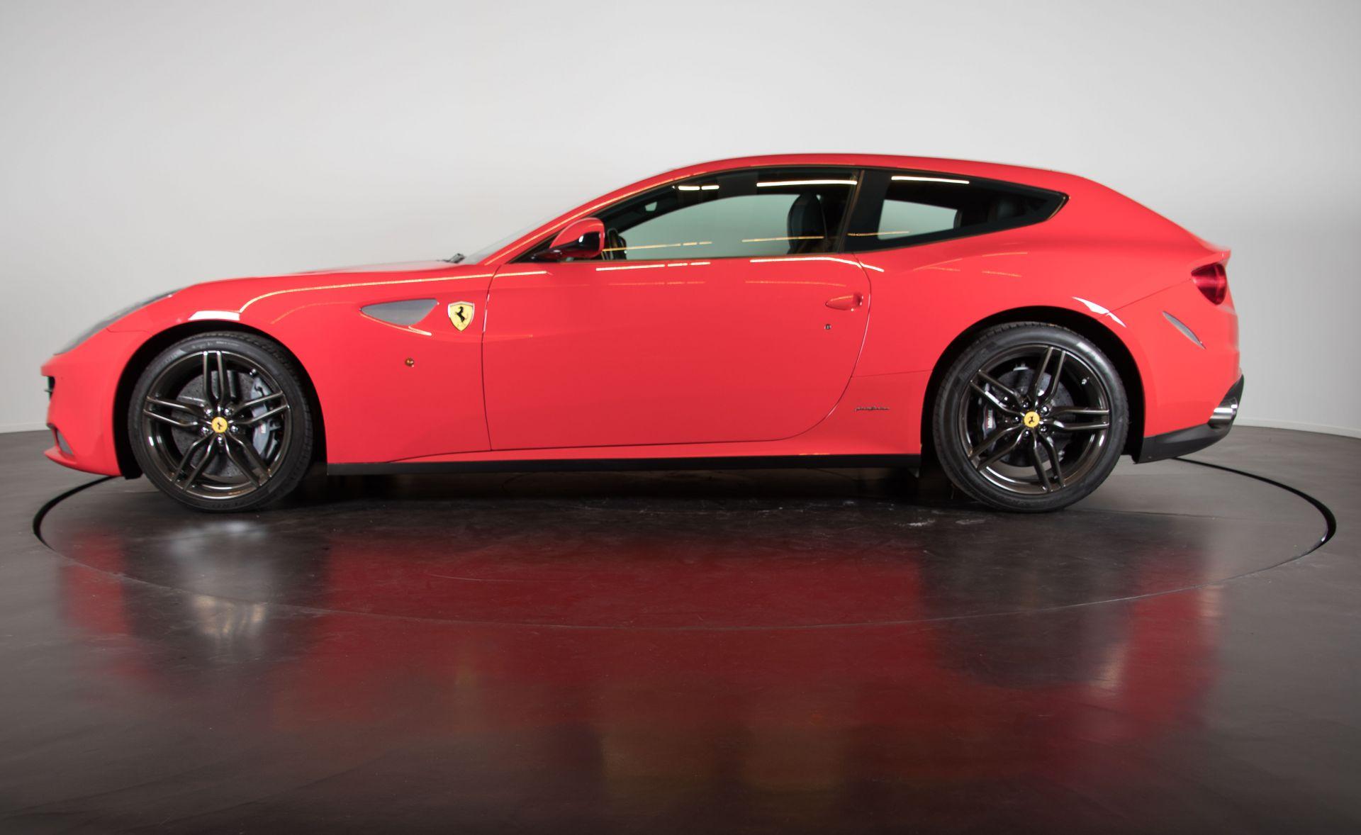 2014 Ferrari FF 3766