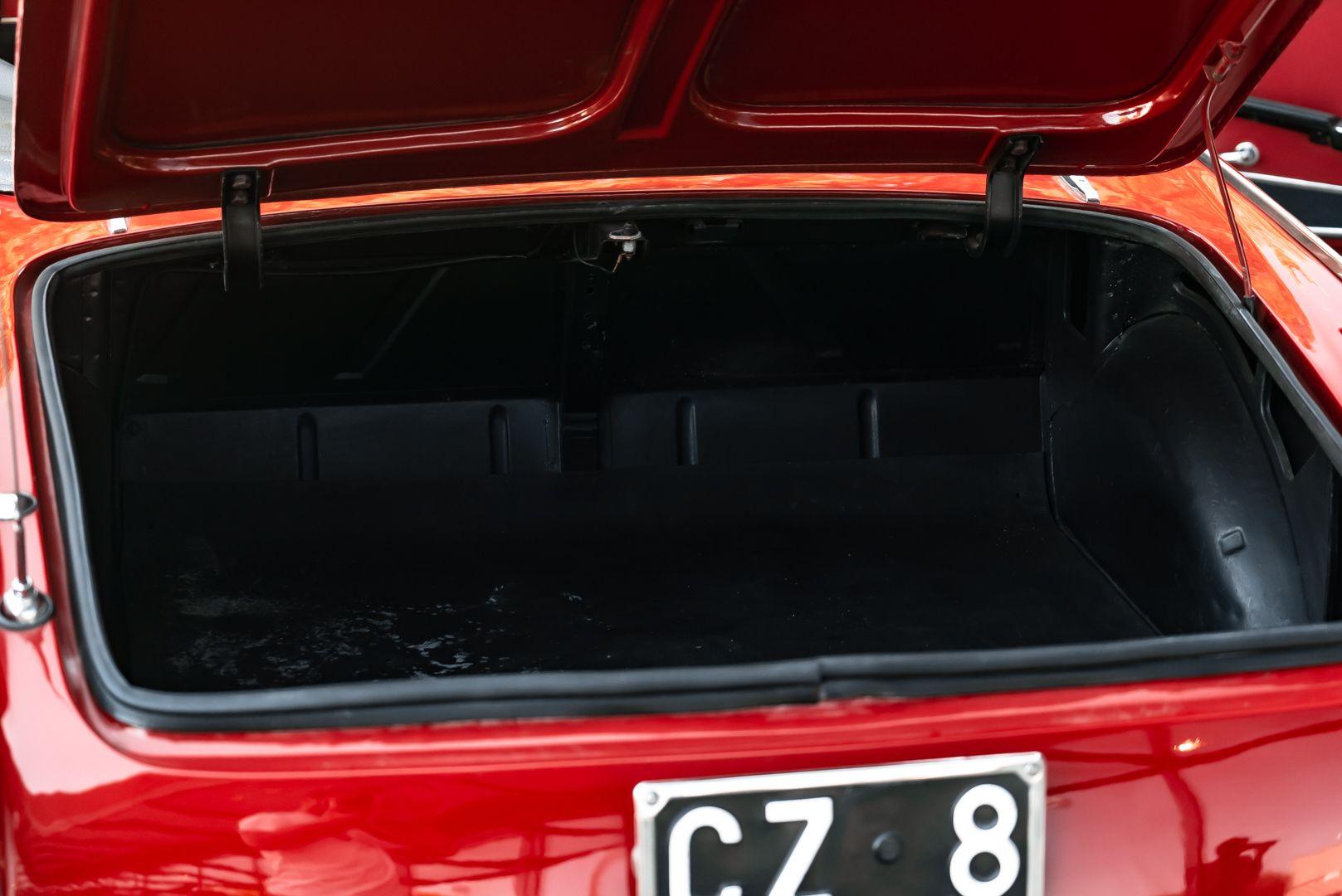 1962 Fiat 1200 Cabriolet Pininfarina 76360