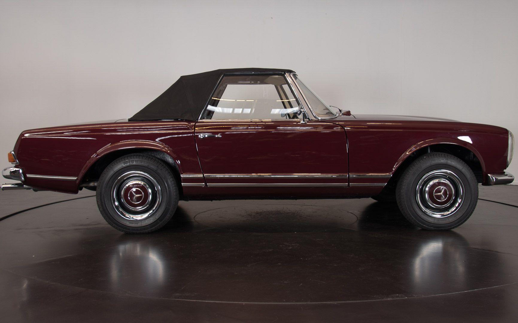 1963 Mercedes-Benz 230 SL 15929