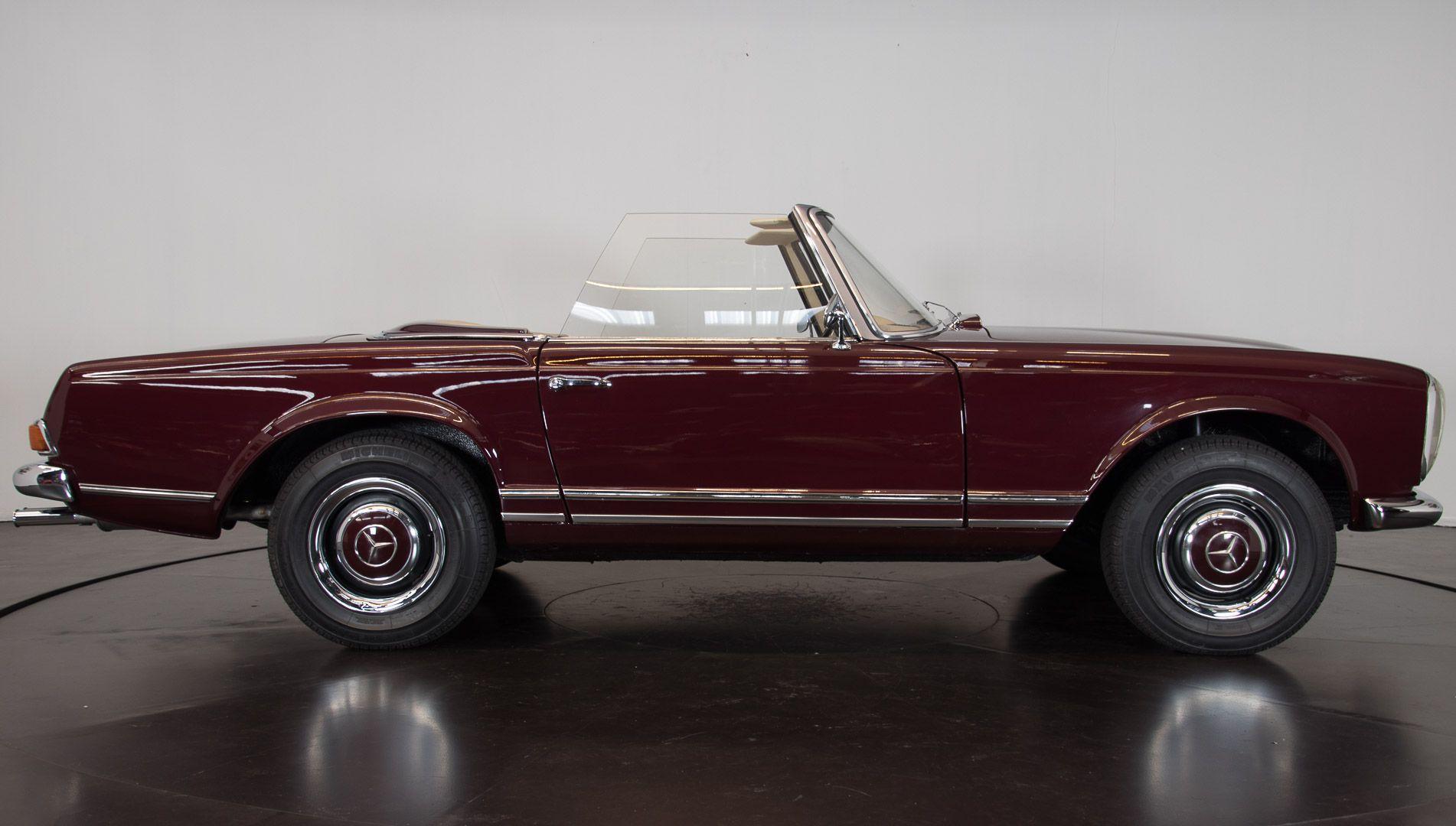 1963 Mercedes-Benz 230 SL 15936
