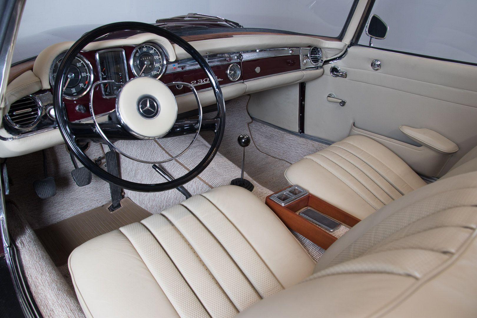 1963 Mercedes-Benz 230 SL 15939