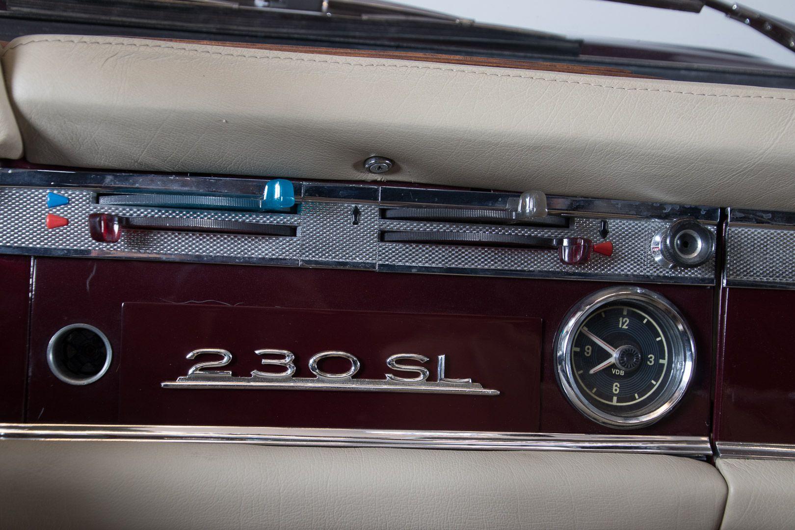1963 Mercedes-Benz 230 SL 15947