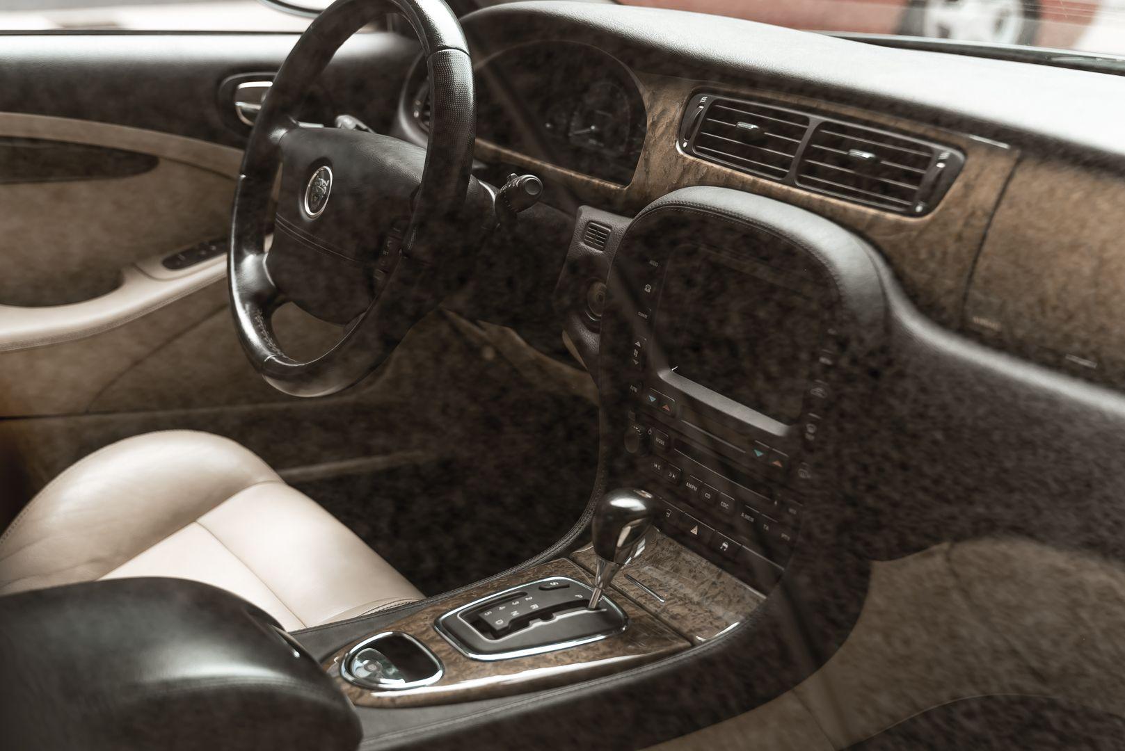2002 Jaguar S-Type R 4.2 V8 81182