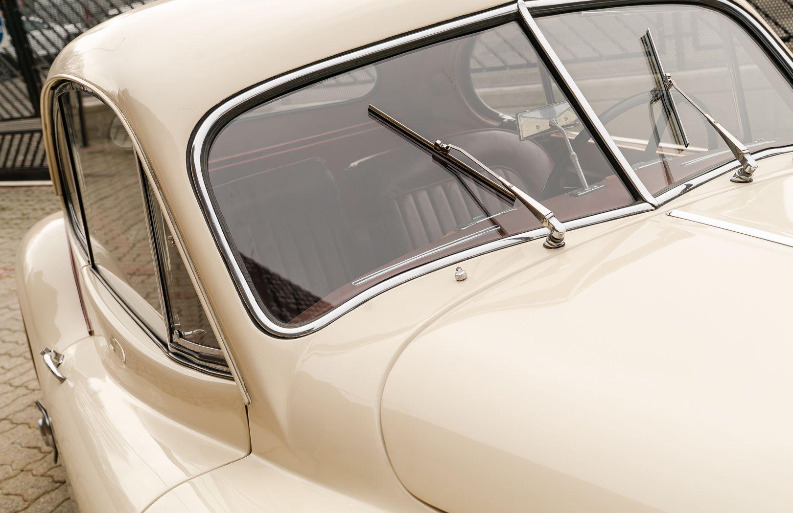 1955 Jaguar XK140 FHC SE 60889