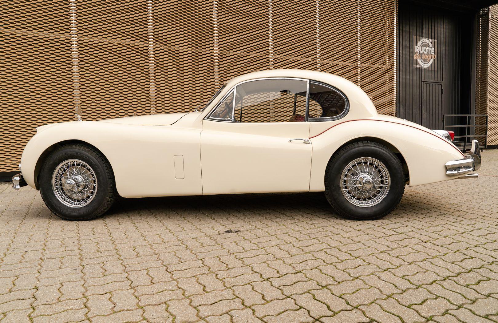 1955 Jaguar XK140 FHC SE 60891