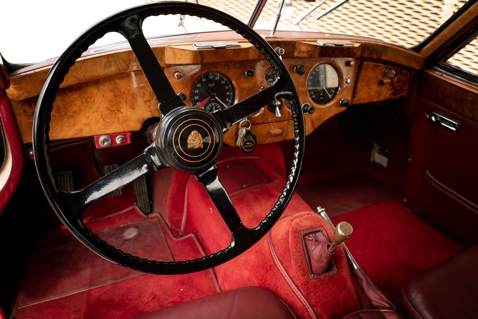 1955 Jaguar XK140 FHC SE 60904
