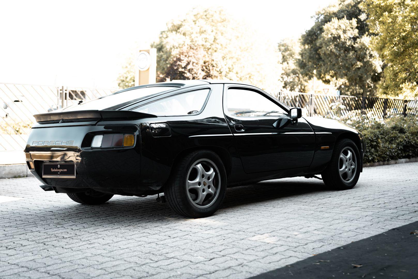 1985 Porsche 928 S 77477