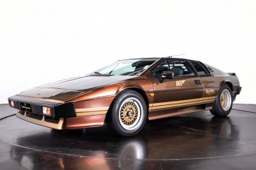 "1985 LOTUS ESPRIT TURBO - livrea ""007 For your eyes only"""
