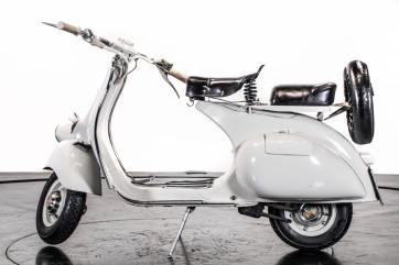 1957 Piaggio Vespa 125 Faro Basso '57