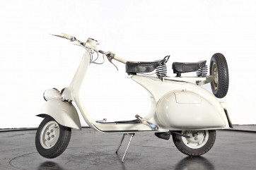 """1957 Piaggio Vespa 125 """"faro basso"""""""