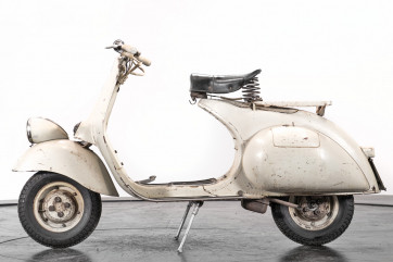 1957 Piaggo Vespa faro basso 125