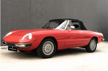 1976 Alfa Romeo Spider 2000 Duetto