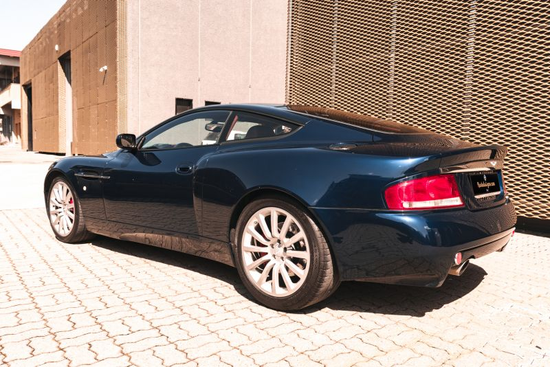 2001 Aston Martin V12 Vanquish 67925