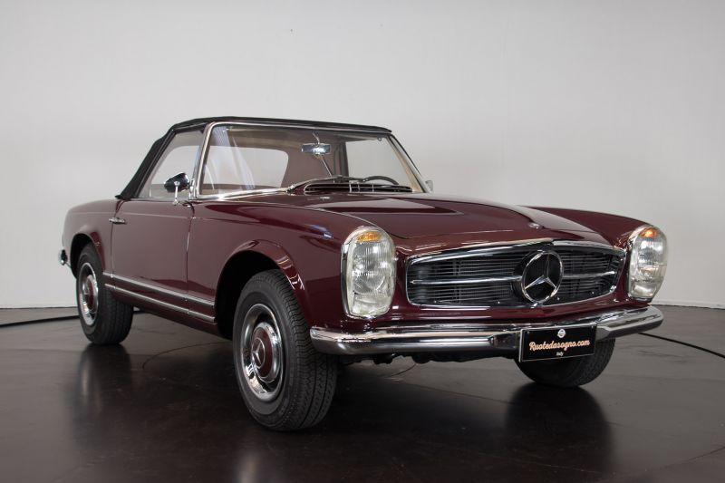 1963 Mercedes-Benz 230 SL 15930