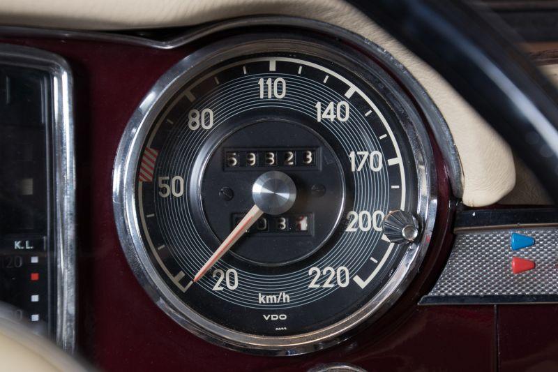 1963 Mercedes-Benz 230 SL 15944
