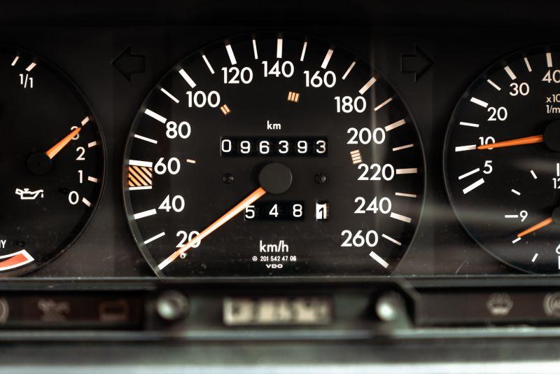 1985 Mercedes-Benz 190E 2.3-16 71357