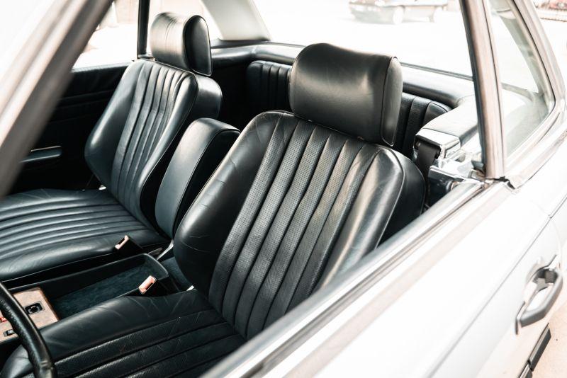 1985 Mercedes-Benz SL 560 77054