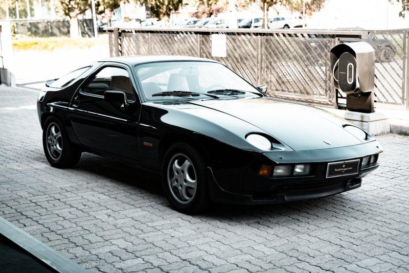 1985 Porsche 928 S 77476