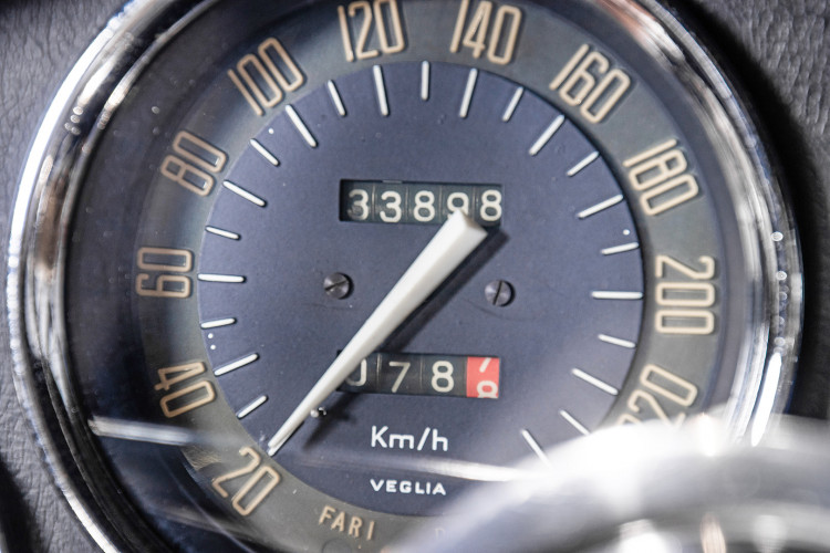 1966 ALFA ROMEO 2600 SPIDER TOURING 36