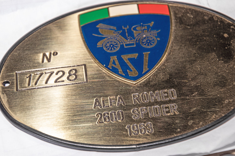 1966 ALFA ROMEO 2600 SPIDER TOURING 18