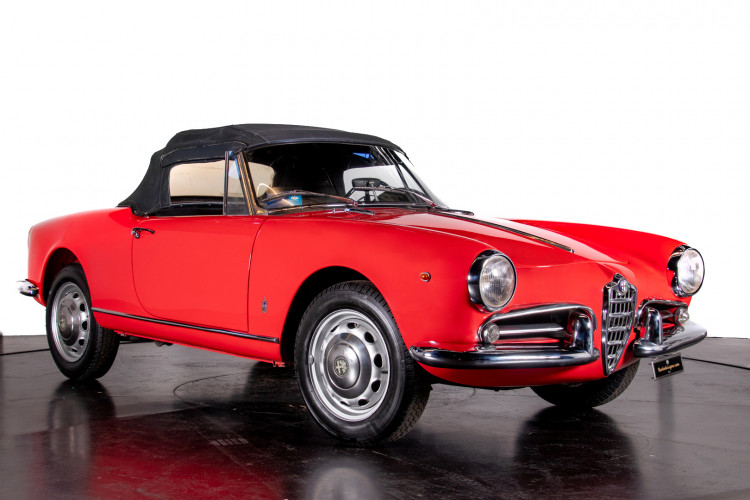 1962 Alfa Romeo Giulietta Spider 7