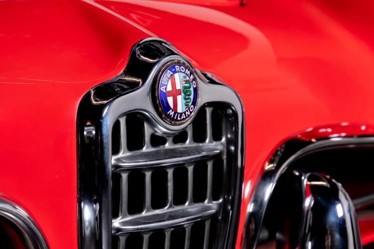 1962 Alfa Romeo Giulietta Spider 8