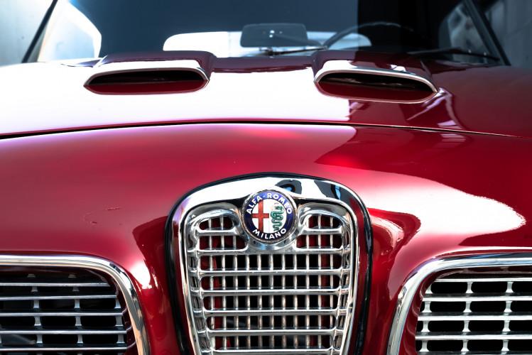 1961 Alfa Romeo 2000 Spider Touring 7