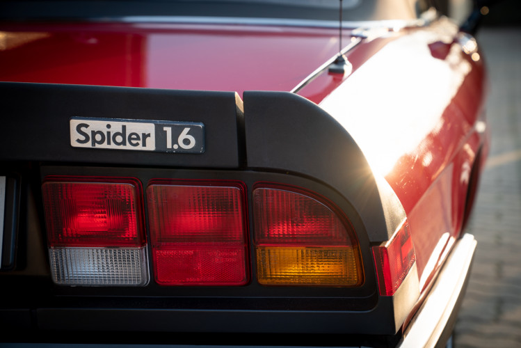"1989 Alfa Romeo Spider Duetto 1.6 ""Aerodinamica"" 2"