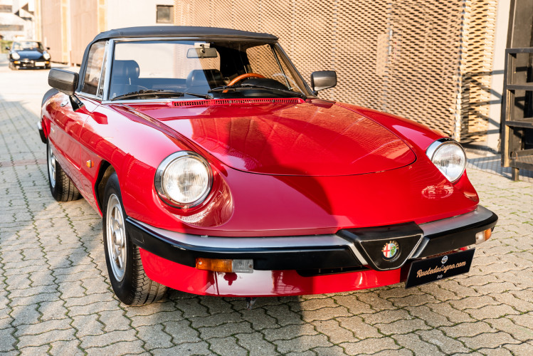 "1989 Alfa Romeo Spider Duetto 1.6 ""Aerodinamica"" 0"
