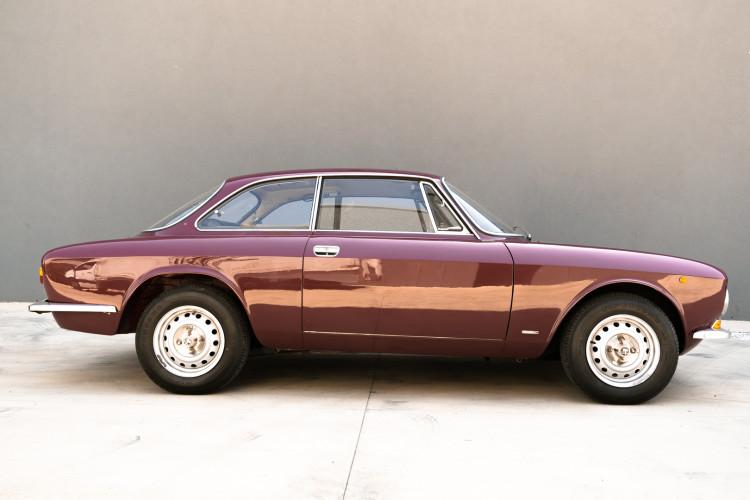 1973 Alfa Romeo GT 1300 Junior 5