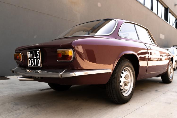 1973 Alfa Romeo GT 1300 Junior 1