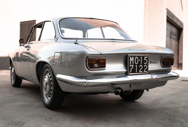 1967 Alfa Romeo Giulia Sprint GT 1600 13