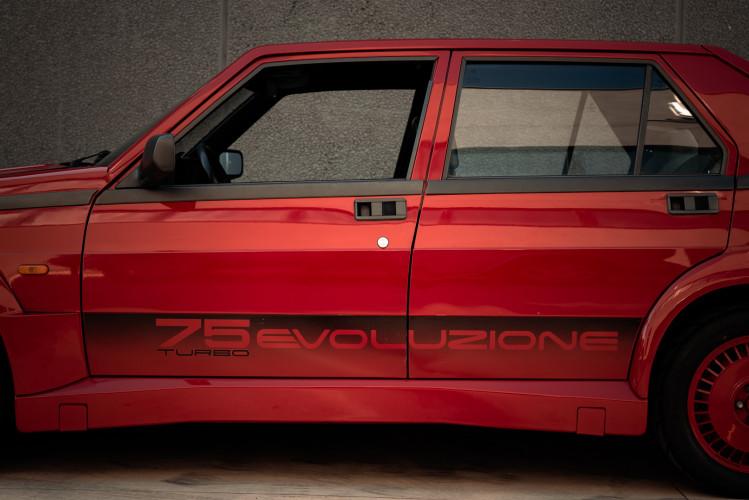 1987 Alfa Romeo 75 Turbo Evoluzione 12