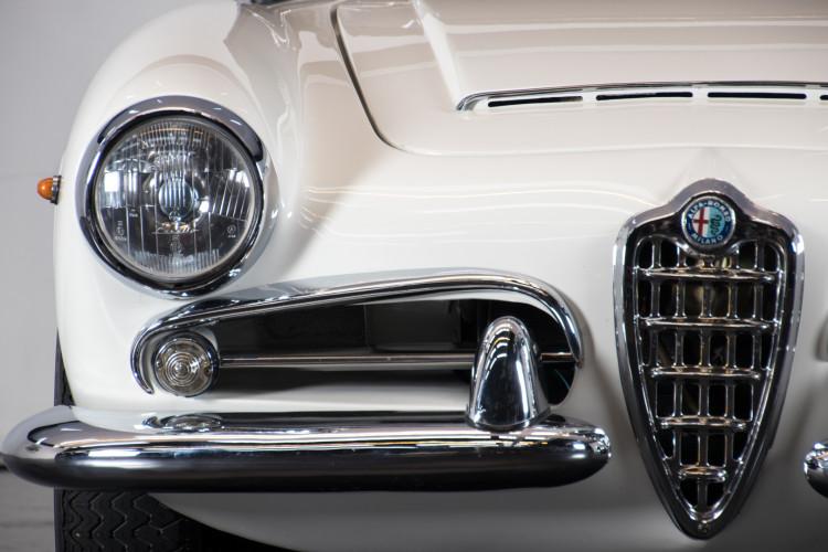 1962 Alfa Romeo Giulia spider 1600 12