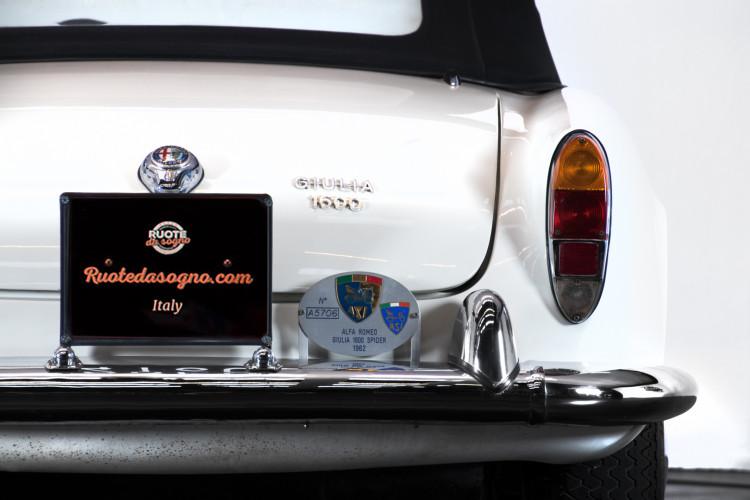 1962 Alfa Romeo Giulia spider 1600 4