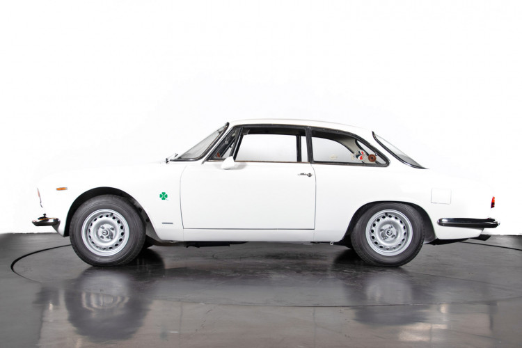 "1965 Alfa Romeo Giulia Sprint GTA ""stradale"" 7"