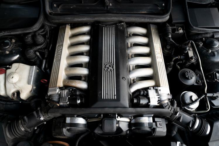 1992 BMW 850 i 36