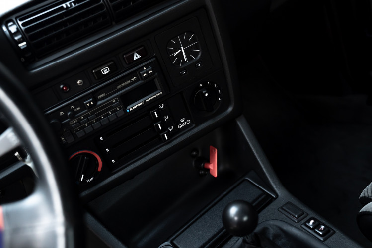 1988 BMW 320 IS 10