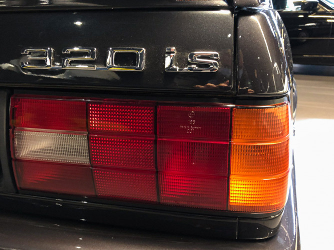 1988 BMW 320 IS 19