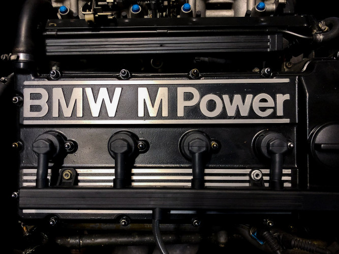 1988 BMW 320 IS 24