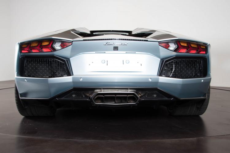 2014 Lamborghini Aventador Roadster  4