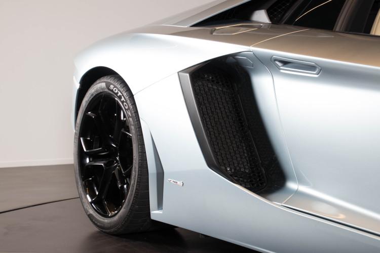 2014 Lamborghini Aventador Roadster  7