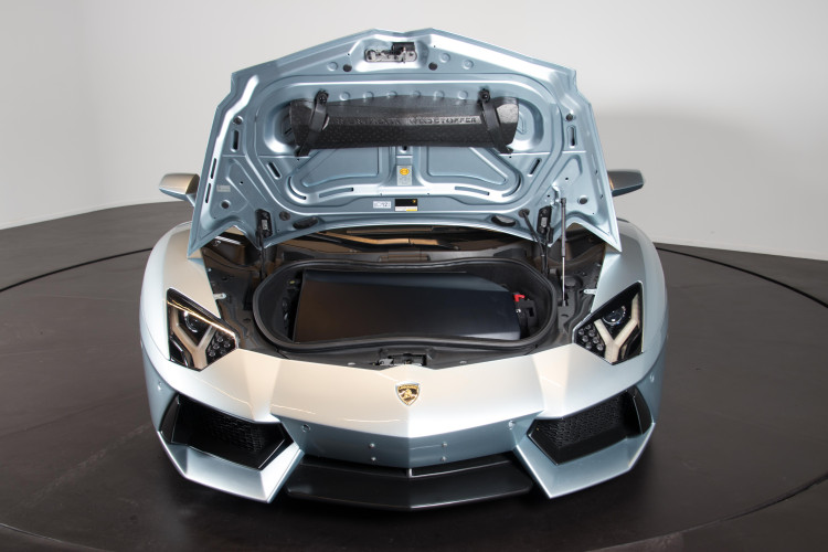 2014 Lamborghini Aventador Roadster  22
