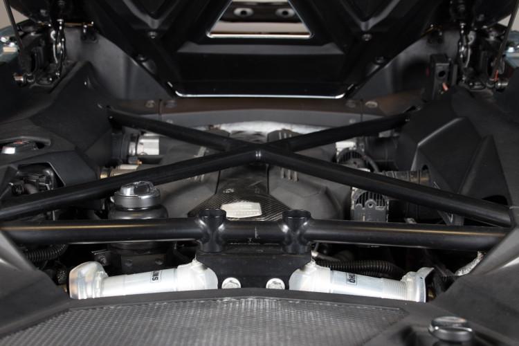 2014 Lamborghini Aventador Roadster  28